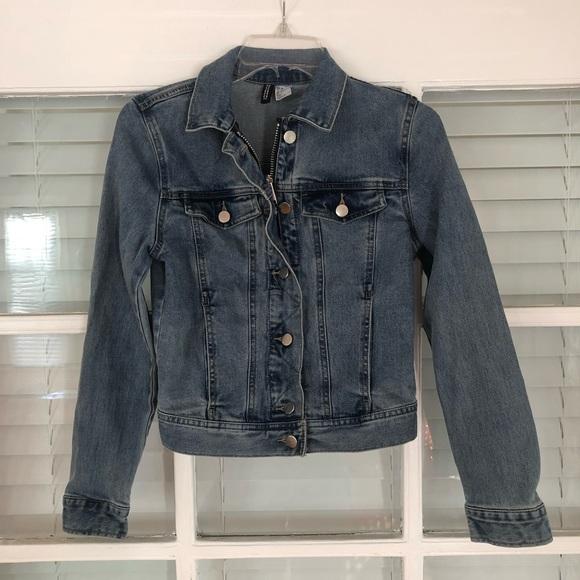H&M Jackets & Blazers - Women's H&M size 4 Denim Jacket